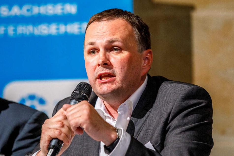 André Schollbach (41, Linke) kritisiert den OB als führungsschwach.