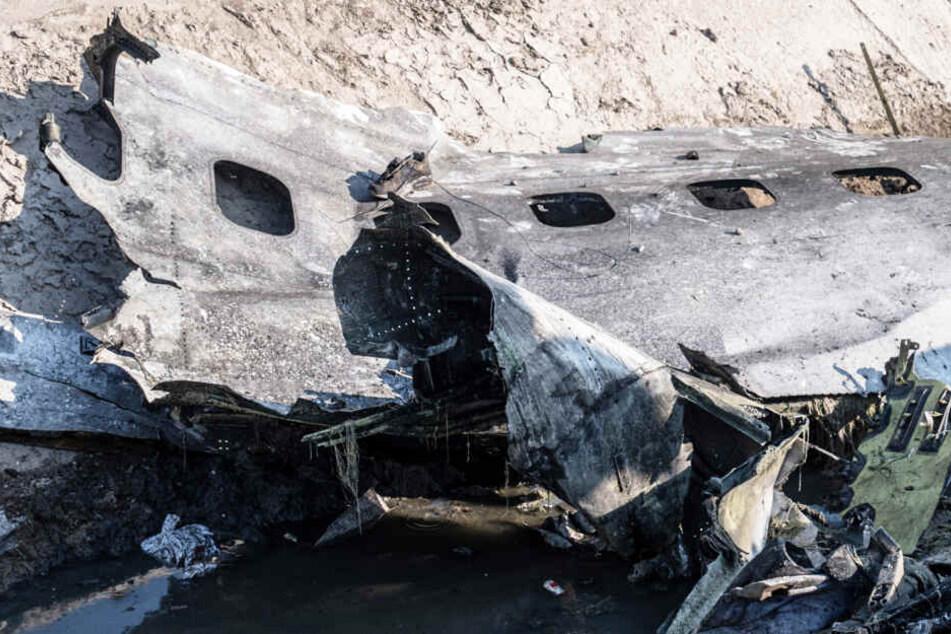 """Iran räumt ein: Flugzeug wurde """"versehentlich"""" abgeschossen!"""