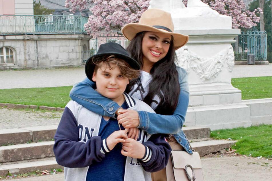 Die krebskranke Patrizia (33) mit ihrem Sohn Alessio (11).
