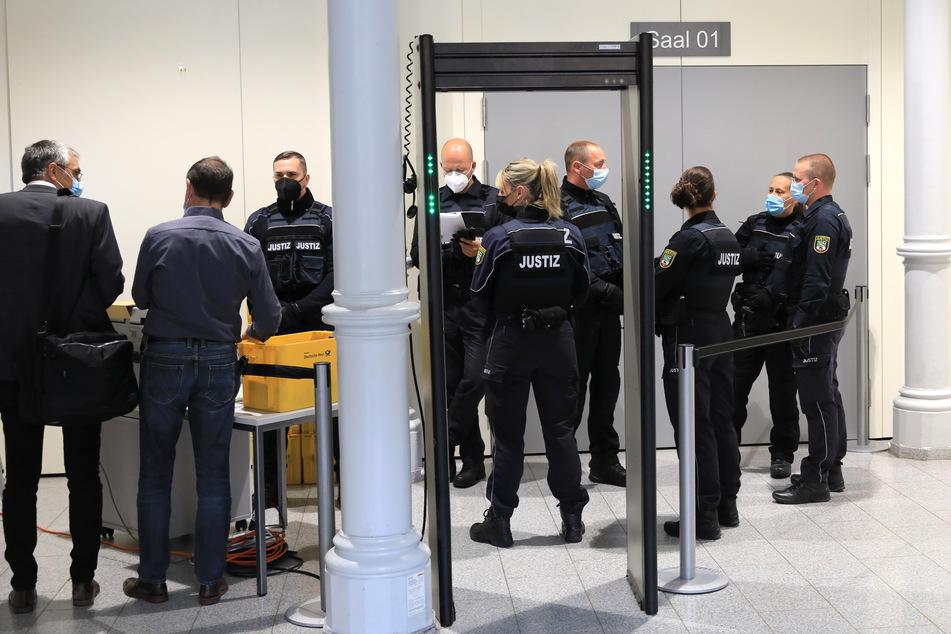 Im Oktober 2020 ertrank ein Zweijähriger während eines Kita-Auslugs. Am Amtsgericht Magdeburg hat nun der Prozess begonnen.