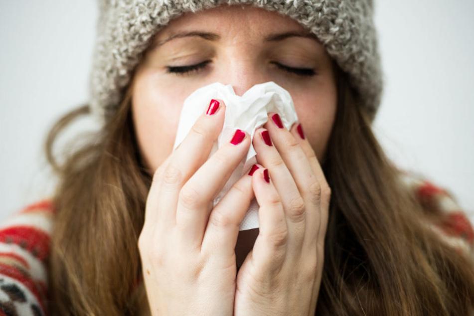 Auch wegen einer Erkältung können sich Arbeitnehmer krankschreiben lassen.