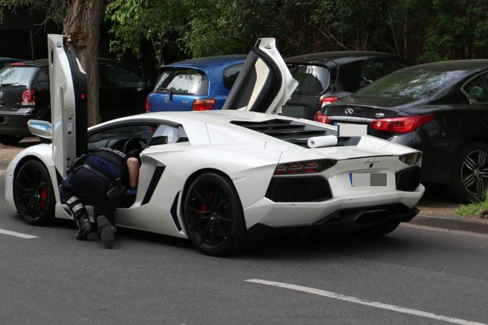 In welchem Zusammenhang dieser Sportwagen mit der Tat steht, ist noch unklar.