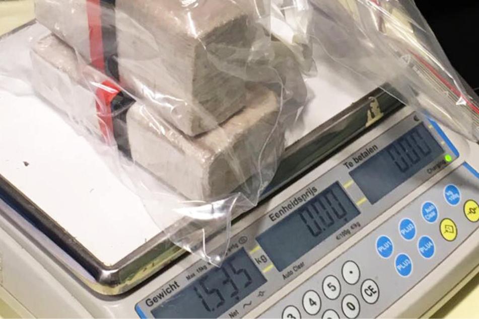Heroin (Foto), Kokain, Ecstasy, Marihuana und Amphetamin gehörten zum Angebot der Kriminellen.