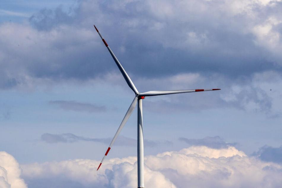 Monteur stirbt in 80 Metern Höhe auf Windrad