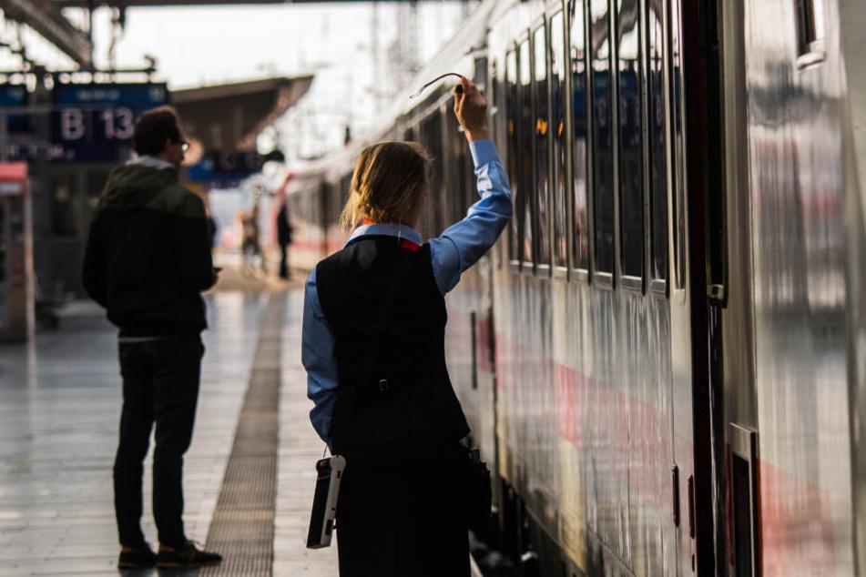 Ob die Zugbegleiter die bisherigen Lautsprecher-Durchsagen besser verstehen als die meisten Fahrgäste, kann man stark anzweifeln (Symbolbild).