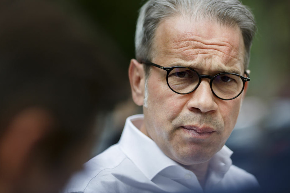 Innenminister Georg Maier setzt auf die Polizei und strenge Auflagen.