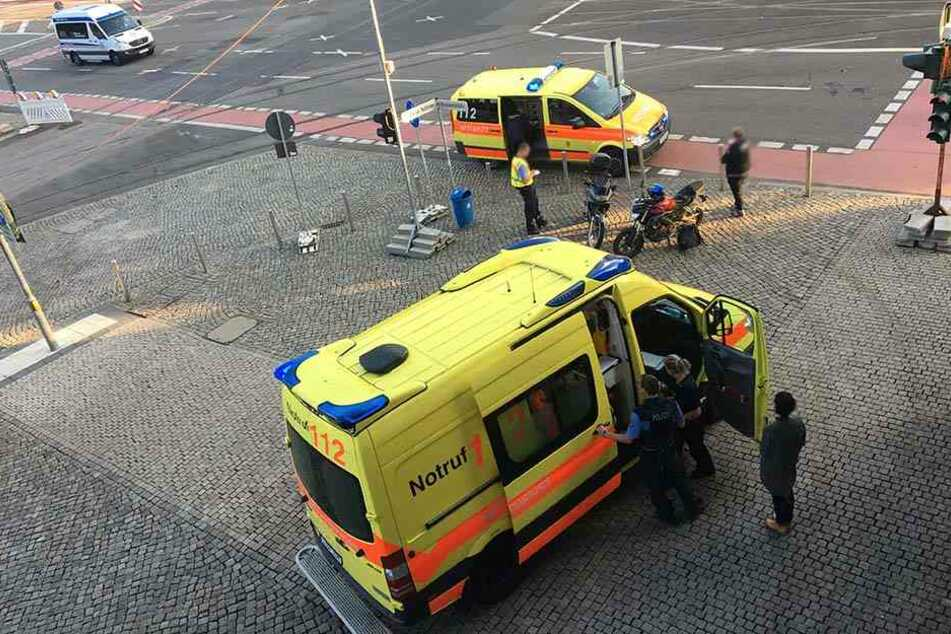 Einer der beiden Motorradfahrer wurde in ein Krankenhaus gebracht.