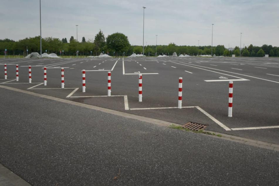 """Der Parkplatz 1 an der Düsseldorfer Messe soll eigentlich """"die größte urbane Eventfläche Nordrhein-Westfalens"""" werden."""