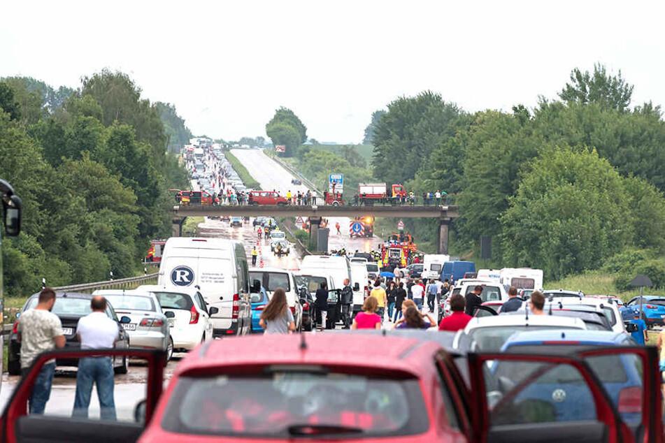 Fast täglich kracht es auf der A4 rund um Dresden. Umlandgemeinden stöhnen angesichts des Ausweichverkehrs.