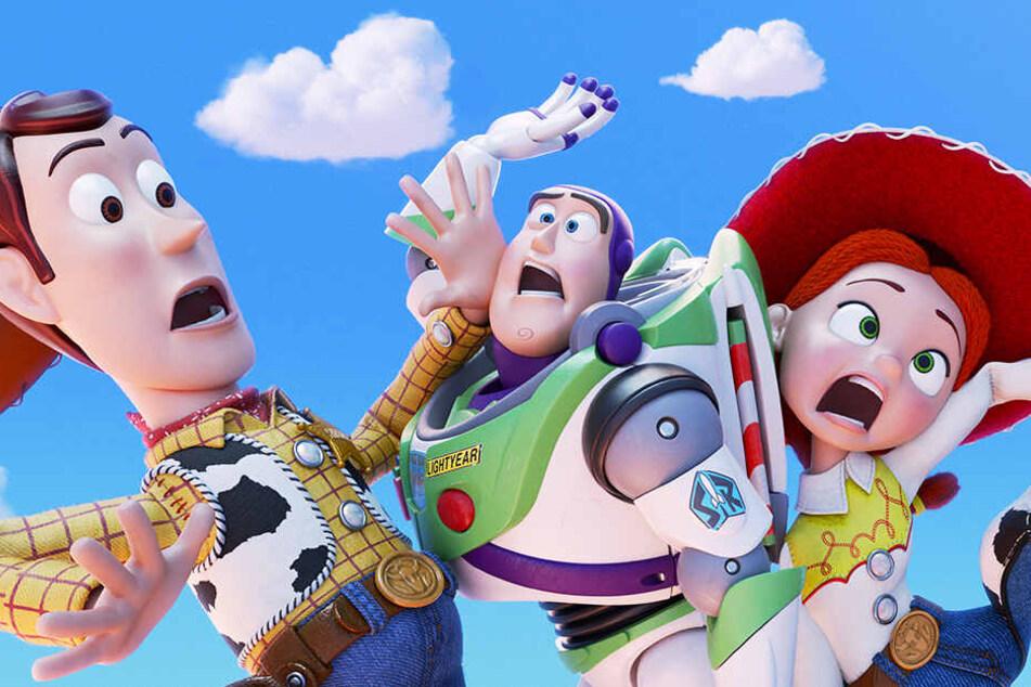 Auf Woody (l.), Buzz Lightyear (M.) und Jessie kommen turbulente Zeiten zu.