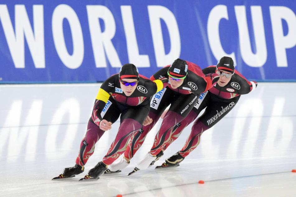 Das deutsche Trio verpasste bei der WM 2013 nur hauchdünn das Podest. Auch die Eisschnelllauf-Legende Claudia Pechstein war Teil der Mannschaft.