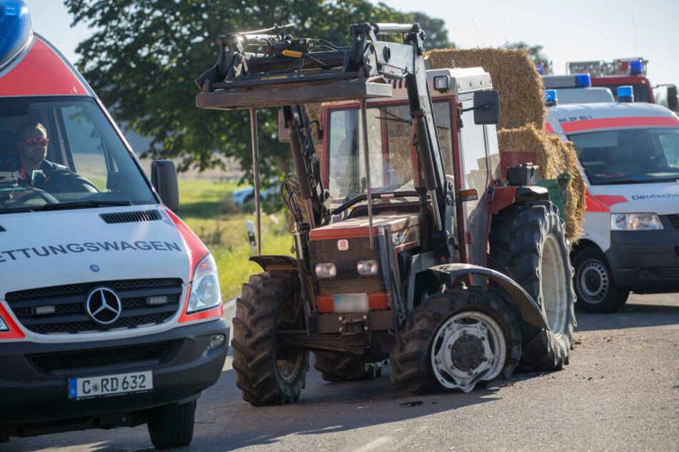 Aus bislang ungeklärter Ursache kollidierte am Sonnabend der Traktor mit einem VW Polo.