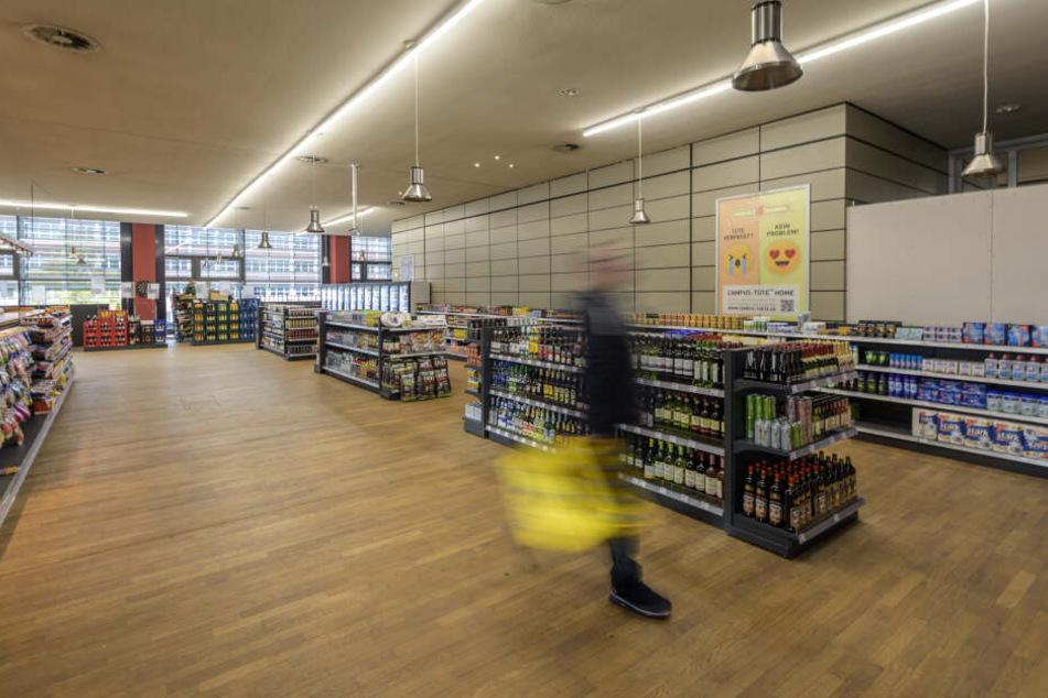 """Der Supermarkt steht in der Kritik: """"Die Preise und das Warenangebot im Spar Express sind alles andere als studierendenfreundlich"""", meint Margreet Kneita vom Studentenrat."""