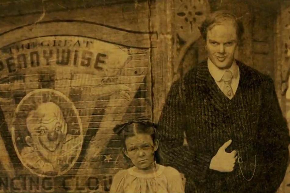 Pennywise Hintergrund: Wahnsinn: Horror-Clown Pennywise Schockt Im Ersten Trailer