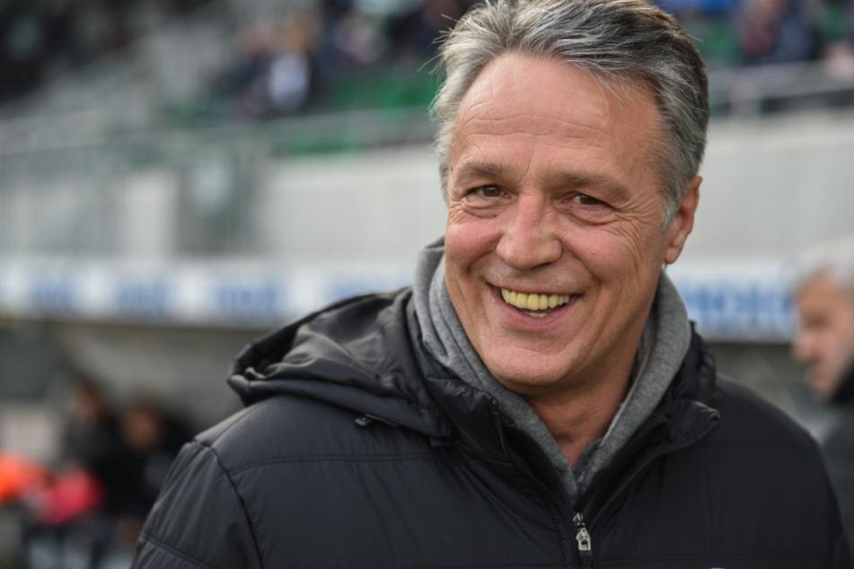 Uwe Neuhaus hat nach dem Bundesliga-Aufstieg mit Arminia Bielefeld gut lachen. (Archivbild)
