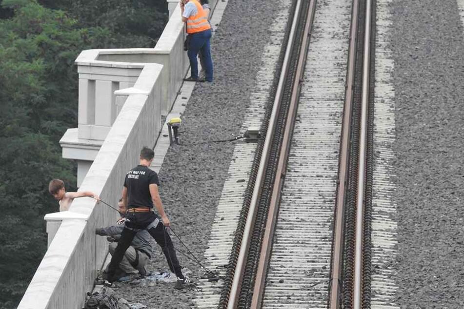 Dreharbeiten an der Brücke: Der Film wird auch die ein oder andere spektakuläre Szene enthalten.