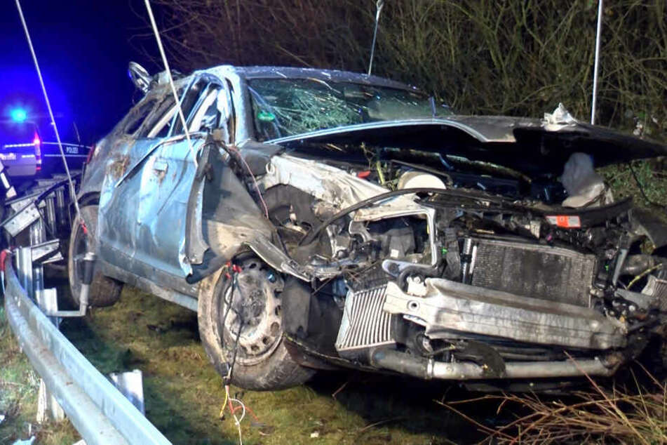 Die Familie konnte sich selbstständig aus dem Auto retten.