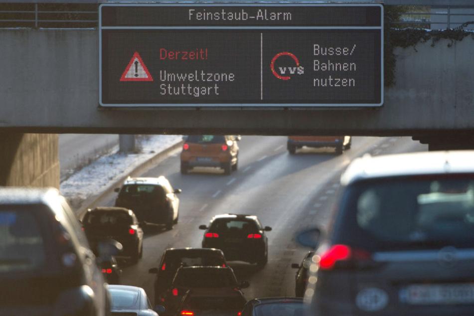 Am Samstag wurden 83 Mikrogramm Feinstaub pro Kubikmeter Luft in Stuttgart gemessen. Erlaubt sind höchstens 50. (Archivbild)