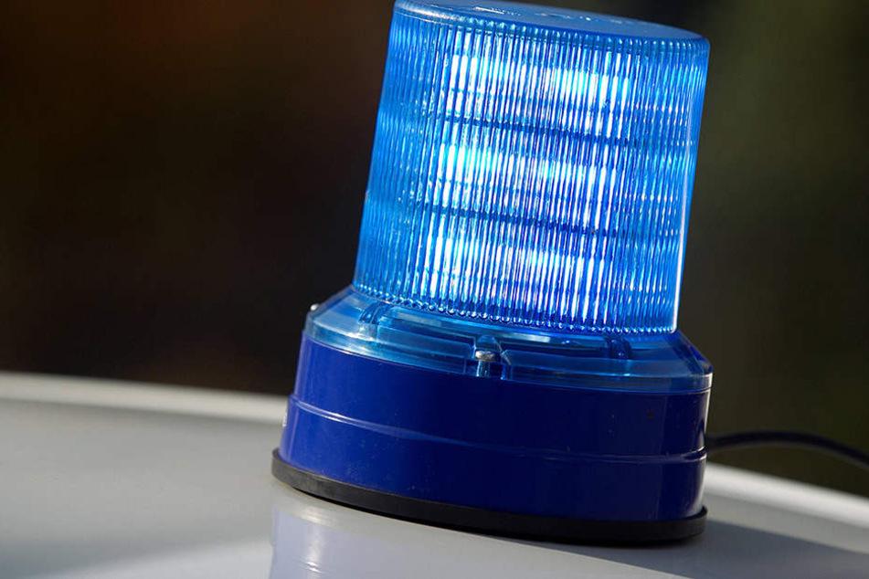 Ein solches Blaulicht brachte der BMW-Fahrer auf seinem Auto an (Symbolbild).