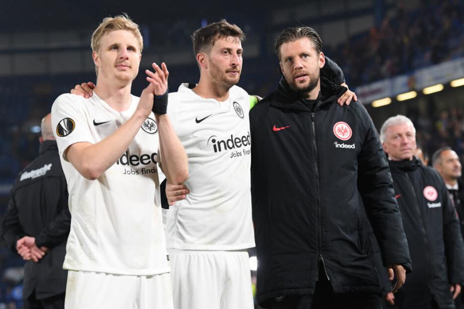 War das Europa-League-Halbfinale gegen den FC Chelsea einer der letzten Auftritte von Martin Hinteregger (Li.) im Eintracht-Dress?