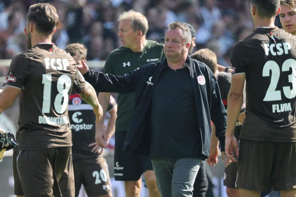 Pauli-Trainer Markus Kauczinski (M) nach der Niederlage gegen Köln.