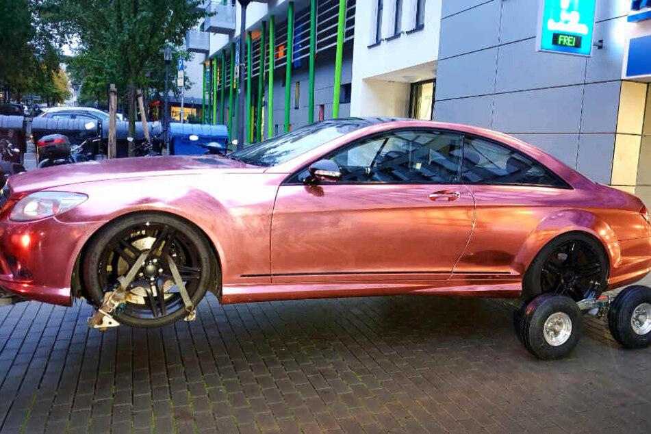 Dieses Luxus-Auto wurde bei der Beschuldigten beschlagnahmt.