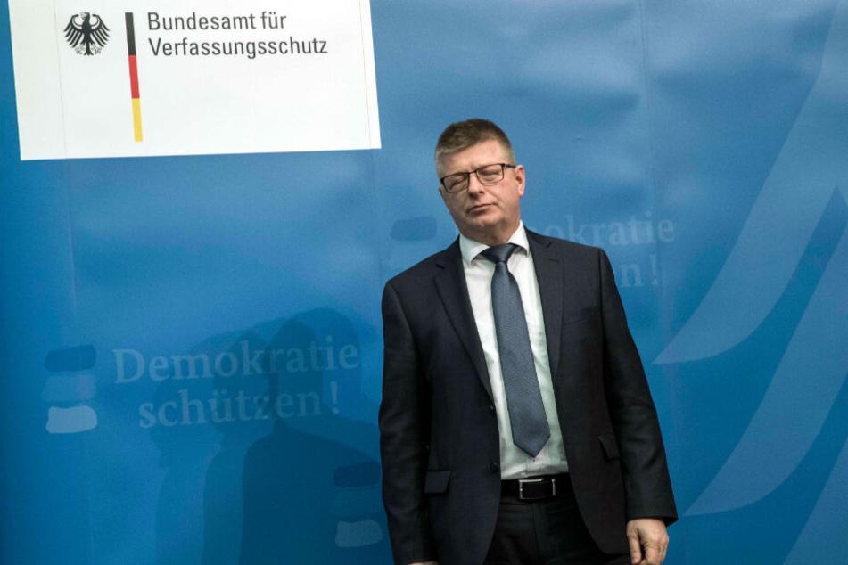 Der Präsident des Bundesamts für Verfassungsschutz, Thomas Haldenwang, steht bei einer Pressekonferenz am Dienstag.