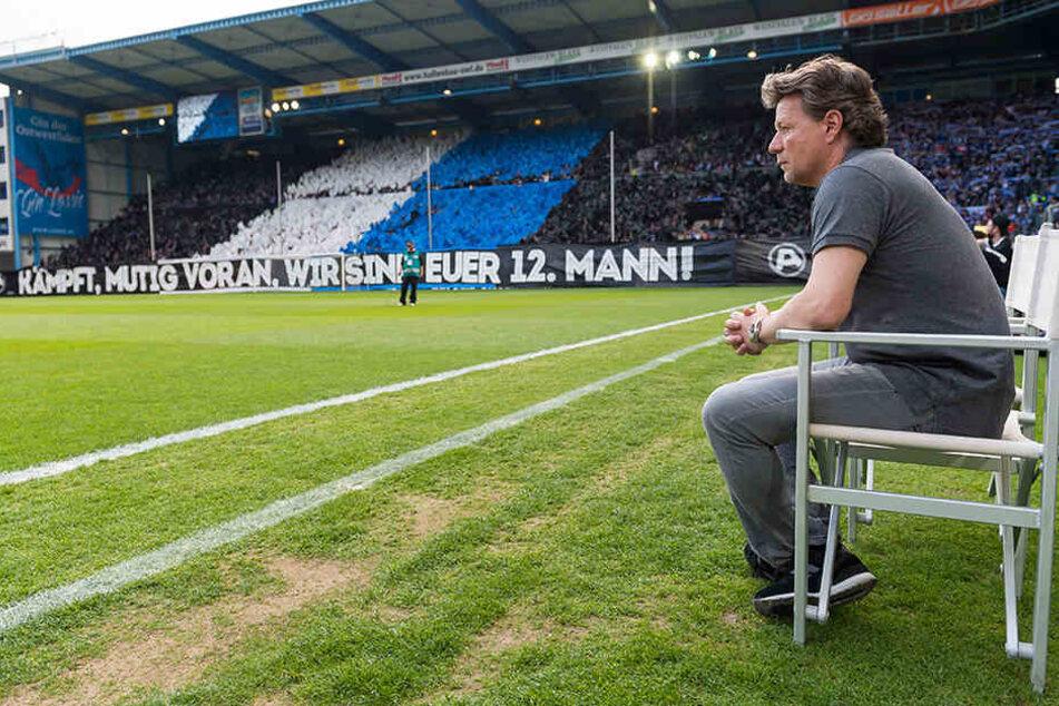 Nicht nur die DSC-Fans wollen Retter Jeff Saibene (48) in Bielefeld halten, auch die Verantwortlichen.