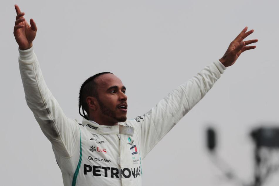 Jubel nach seinem Triumph: Lewis Hamilton.