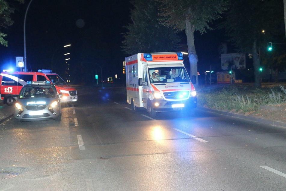 Ein 23 Jahre alter Mann wurde in der Nacht zu Freitag in Berlin-Lichtenrade mit einem Messer verletzt.