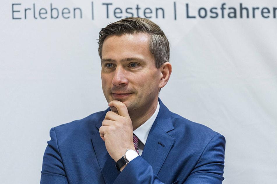 """Verkehrsminister Martin Dulig (45, SPD): """"Wir haben 44 Millionen Euro frisches und nicht gebundenes Geld. Damit kann jede Gemeinde im Land mindestens eine Förderung erhalten."""" Insgesamt können 109 Millionen neu bewilligt werden."""