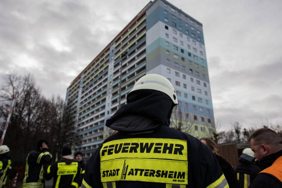 Nach Feuer in Hochhaus mit Verletzten: Wann dürfen Bewohner zurück?