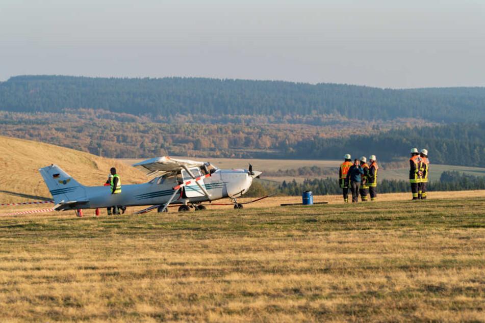 Am 14. Oktober raste ein Leichtflugzeug über die Landebahn und tötete eine 39-jährige Frau und ihre beiden Kinder.