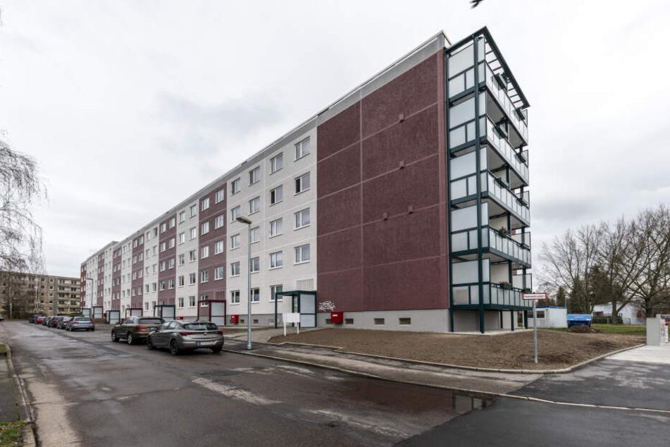 Noch in diesem Jahr soll die Modernisierung der CAWG-Wohnhäuser an der Kutusowstraße 96-108 beendet werden.
