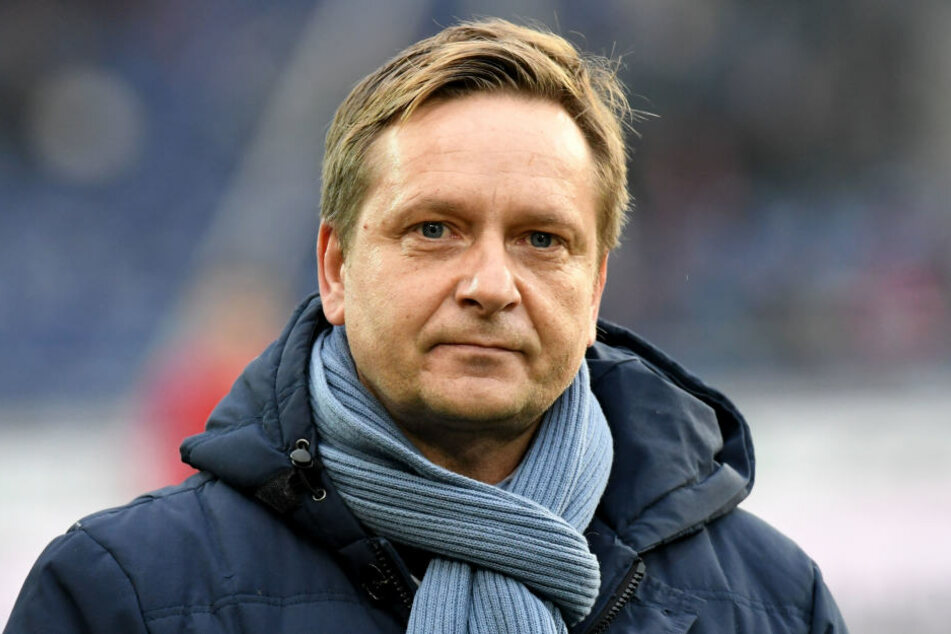 War bedient über die Niederlage, besonders über den nicht gegebenen Ausgleich: Hannovers Manager Horst Heldt (48).