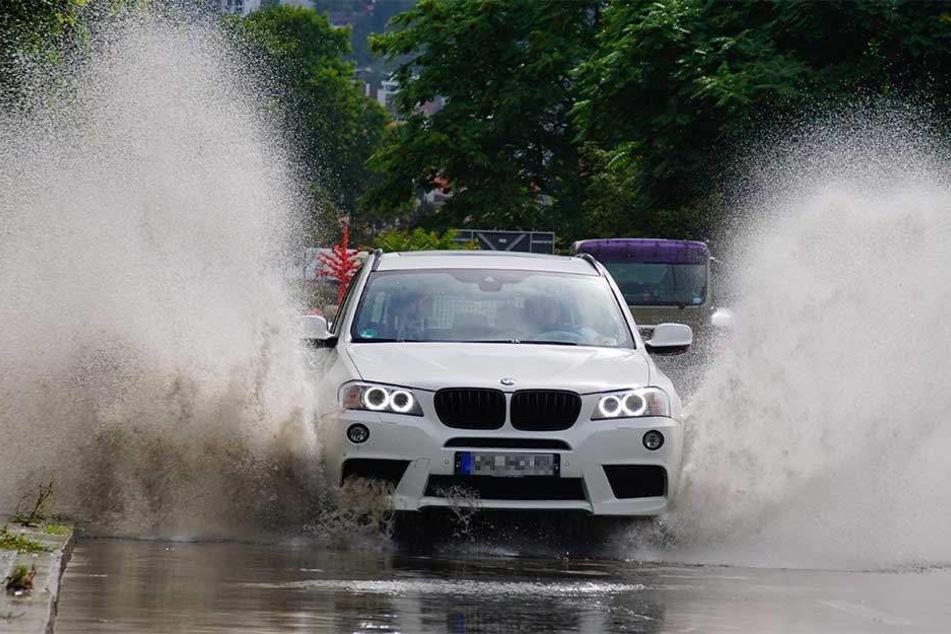 Das Unwetter im Südwesten machte den Autofahrern das Leben schwer.