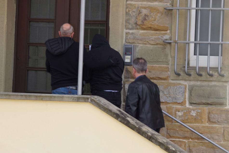 Der 48-jährige Familienvater wurde von der Polizei festgenommen.
