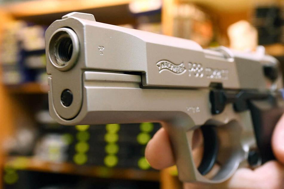 Jugendlicher in Görlitz mit Waffe bedroht!