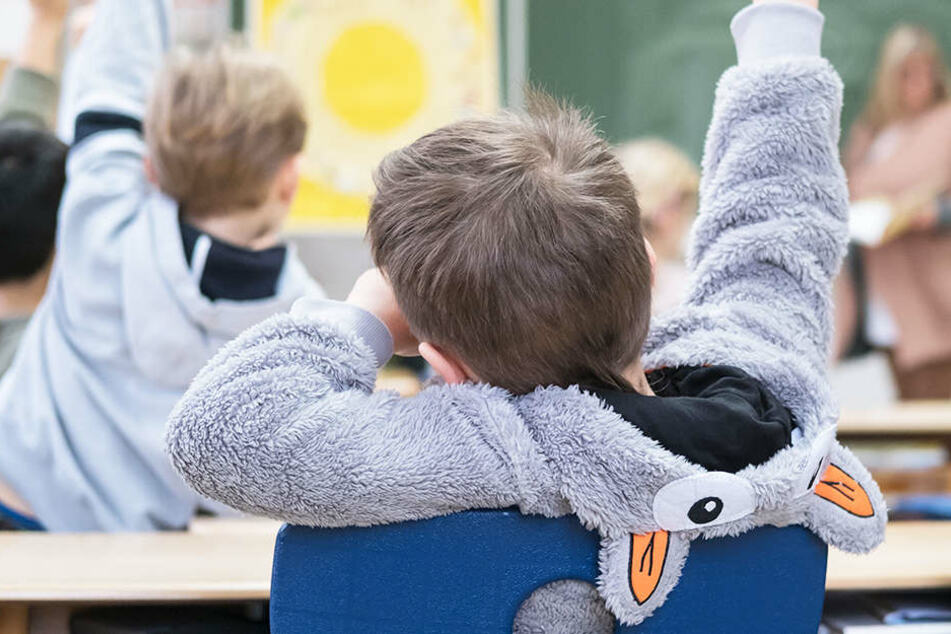 Einem Jungen, der während des Unterrichts aufs Klo wollte, wurde sein Wunsch nicht gewährt.