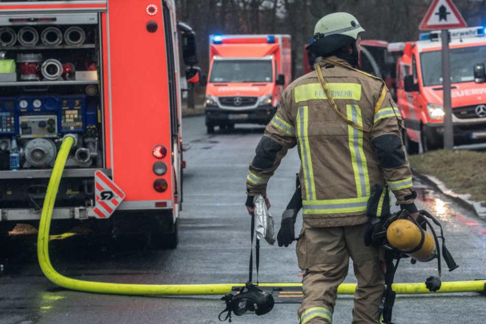 Die Feuerwehr fand den Mieter in der Wohnung. Jede Hilfe kam zu spät. (Symbolbild)