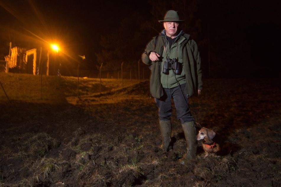Jagdpächter Andrzej Krysztofinski (57) sieht in dem Wolfsbesuch bisher kein Problem.