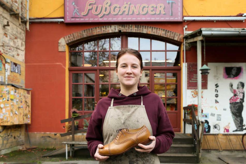 Frauen lieben Schuhe, heißt es. Eva Schröter (30) stellt sie sogar her.