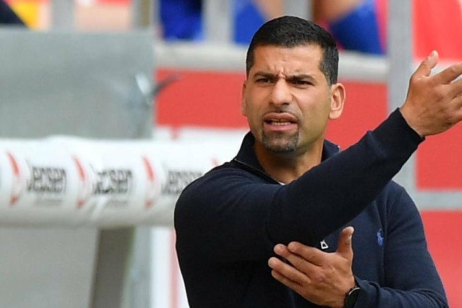 Dimitrios Grammozis soll noch in dieser Saison neuer Trainer des FC Schalke 04 werden (Archivbild).