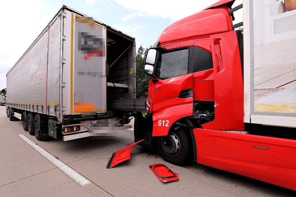 Verkehrsbedingt musste ein Lkw bremsen, es kam zum Auffahrunfall mit zwei nachfolgenden Trucks.