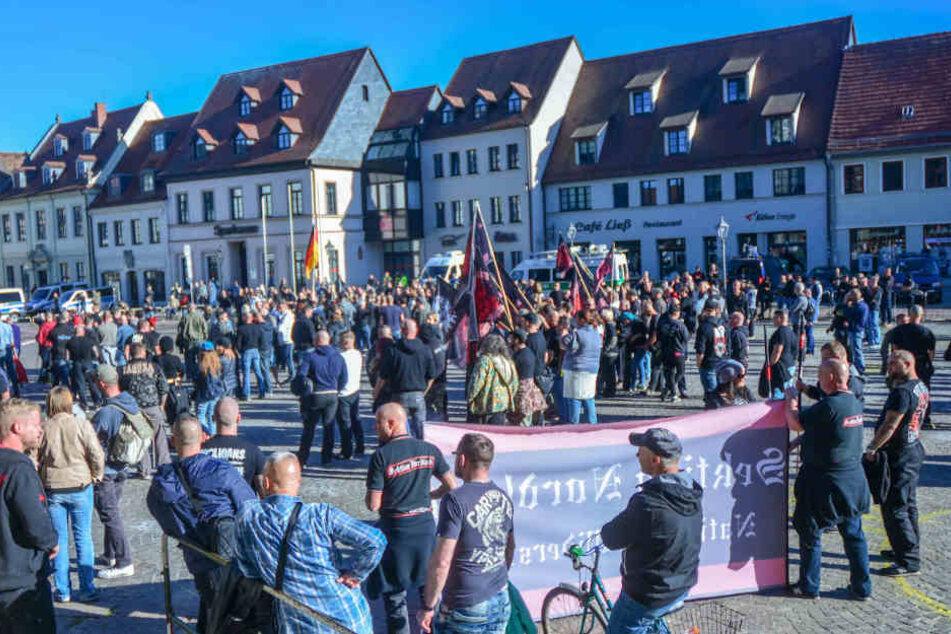 In den letzten Wochen zogen immer wieder rechtsextremistische Demonstranten durch die Stadt.