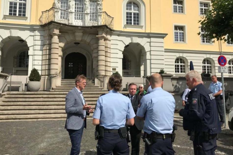 Die Polizei durchsuchte das Rathaus.