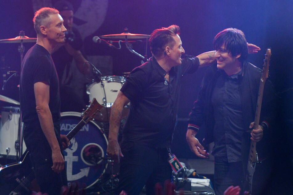 Die Berliner Punkrock-Band Die Ärzte (l-r Farin Urlaub, Bela B. und Rod Gonzales) bei einem Auftritt im August 2016. (Archivbild)