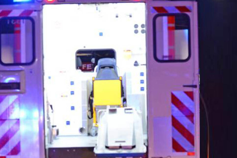 Der verletzte Mitarbeiter musste ins Krankenhaus eingeliefert werden.