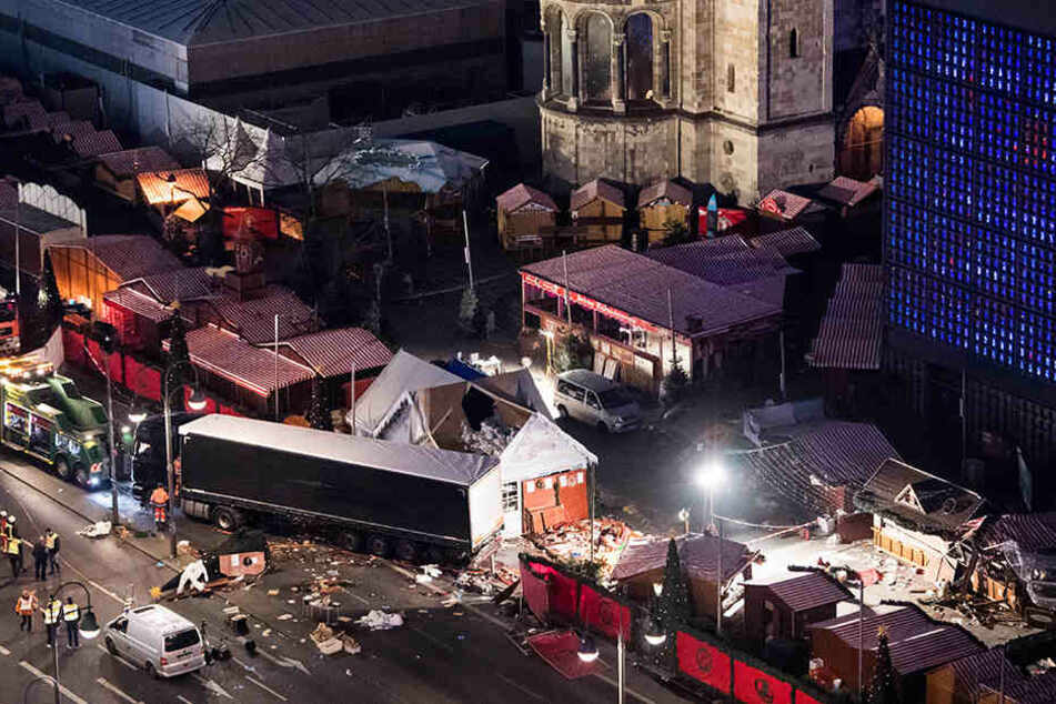 Eine Schneise der Verwüstung hinterließ Anis Amri auf dem Weihnachtsmarkt am Breitscheidplatz in Berlin.