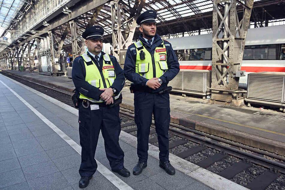 Auf Sicherheitspersonal mit Bodycams gab es weniger Übergriffe.